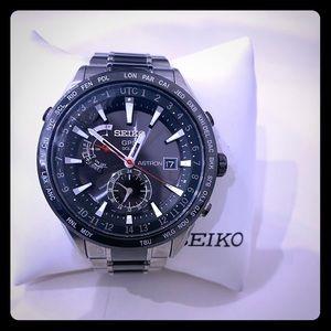 Seiko Astron SSE041J9
